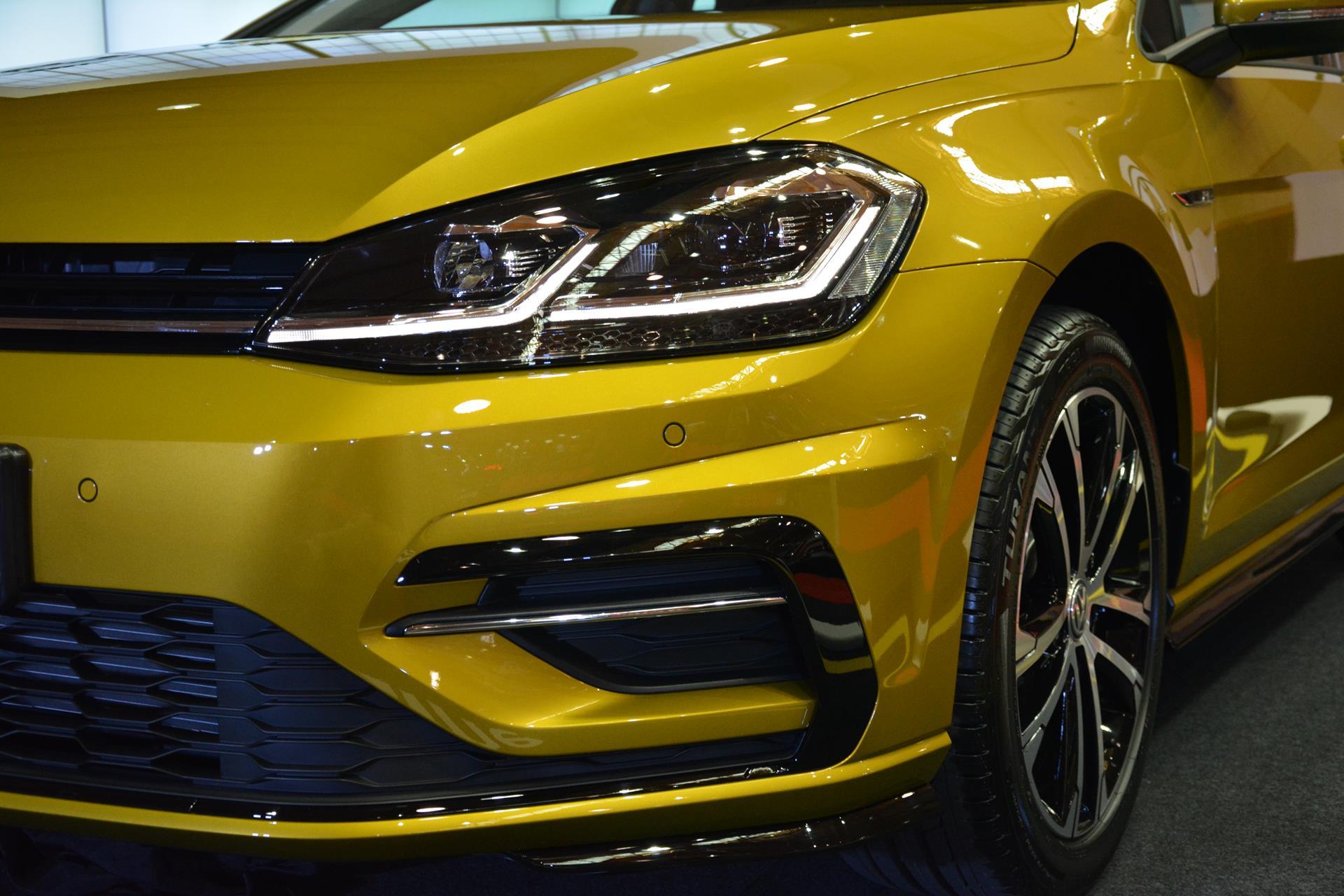 Golf VII Sport - Spoiler neri lucidi Volkswagen_golf_r-line_debut-3