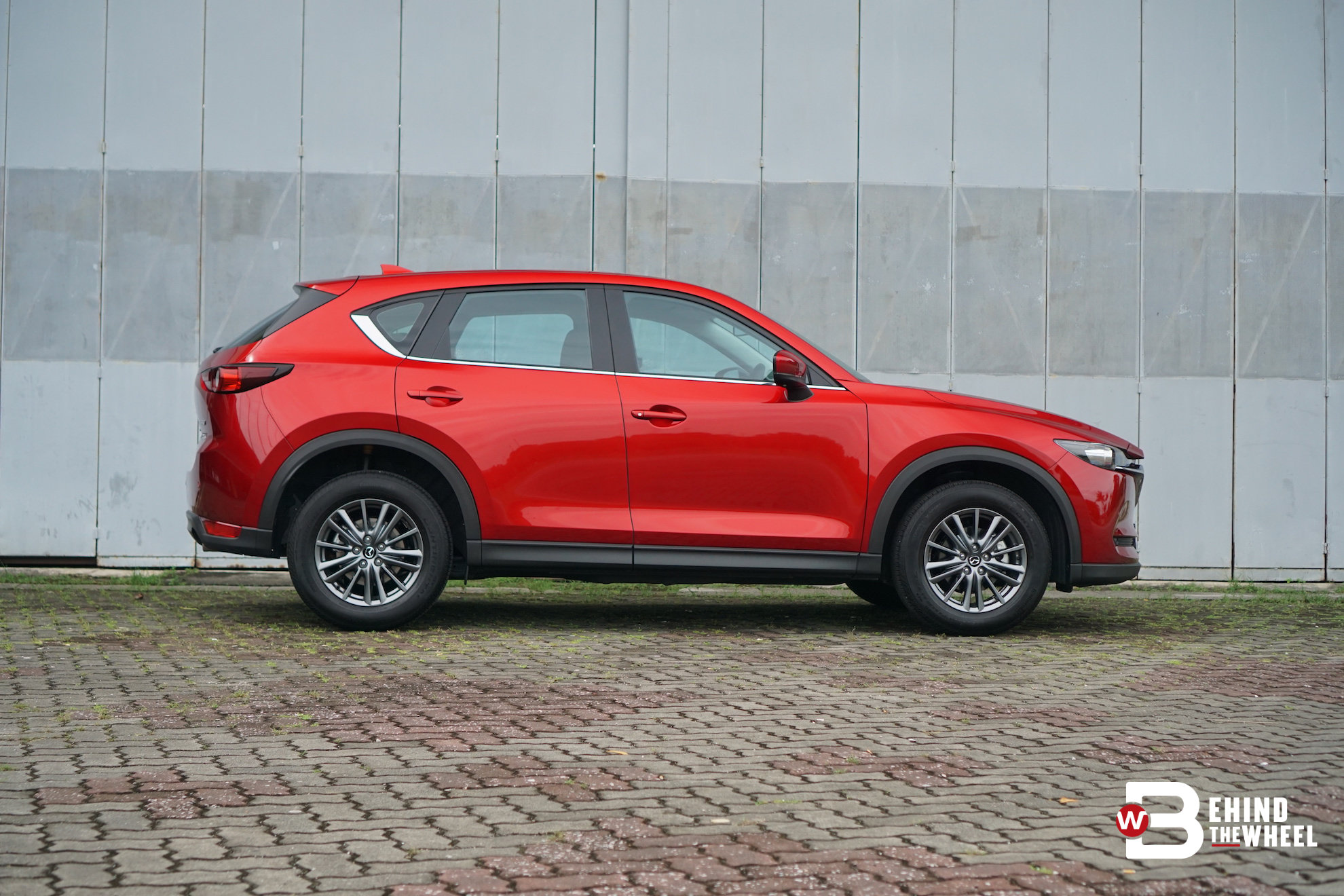 mazda cx5 gl review this one is strictly for minimalists