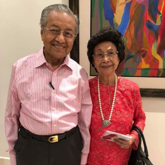 Just like his loving wife, Tun M can't leave the house without his pen.
