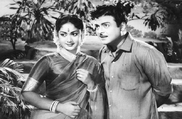 Biopic Of Nadigaiyar Thilagam Savitri Rise And Fall Of: Is Savitri's Biopic 'Nadigaiyar Thilagam' Based On Gossip